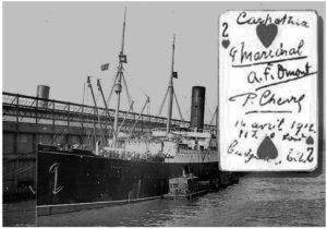 Carpathia w Nowym Jorku. Obok - karta z Titanica z autografami pasażerów - panów Marechal, Chavre i Omont.