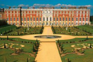 Hampton Court Palace - www.urbanvilla.com