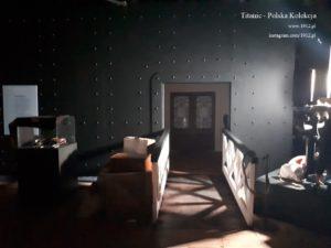 Awaria światła na wystawie