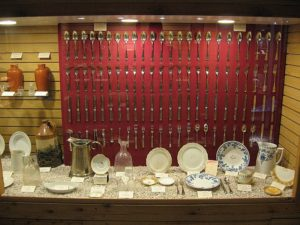 Artefakty z Republica. Muzeum w Delaware. Źródło: golfwizblog.blogspot.com