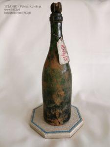 Butelka szampana z wraku RMS Republic