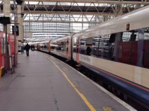 Pociąg do Southampton, dworzec Waterloo 107 lat później, 2019