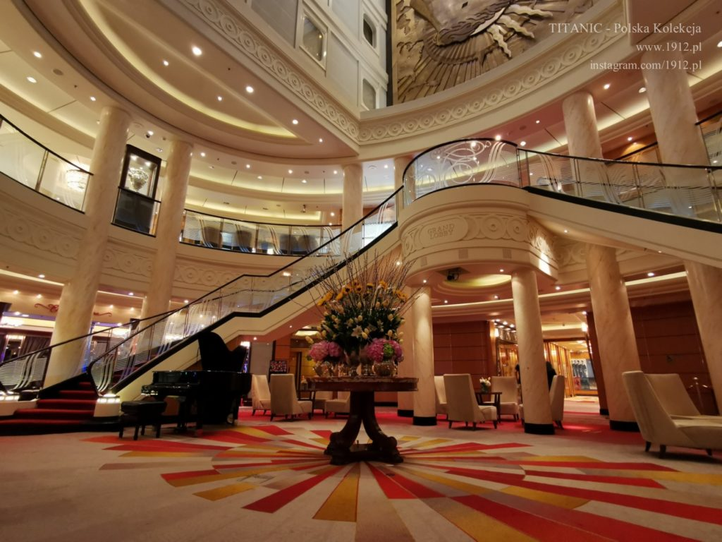 Grand Lobby na Queen Mary 2