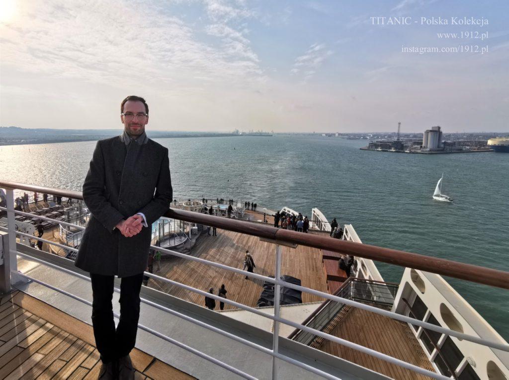 Na pokładzie Queen Mary 2, opuszczając Southampton