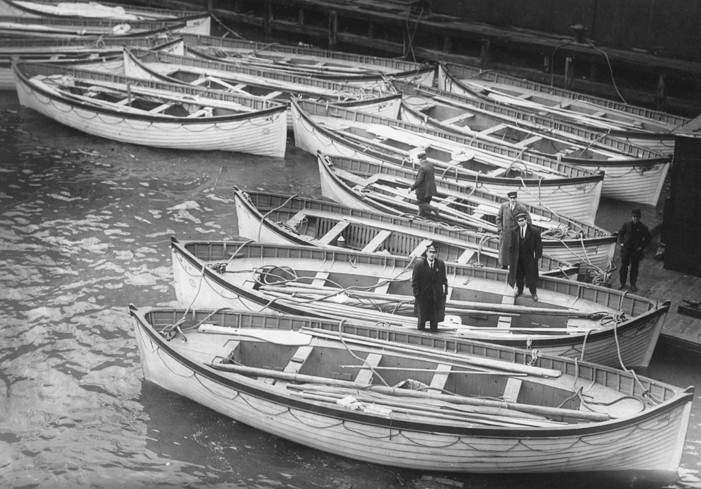 Łodzie ratunkowe Titanica w doku