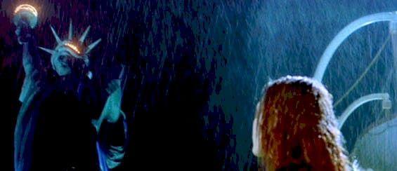 """Statua Wolności w filmie """"Titanic"""" J. Camerona"""