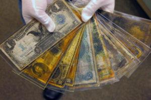 Banknoty wydobyte z Titanica