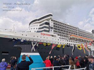 Queen Mary 2 w doku w Southampton