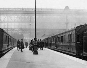 """Pociąg """"Titanic Special"""" - dworzec Waterloo, 1912"""