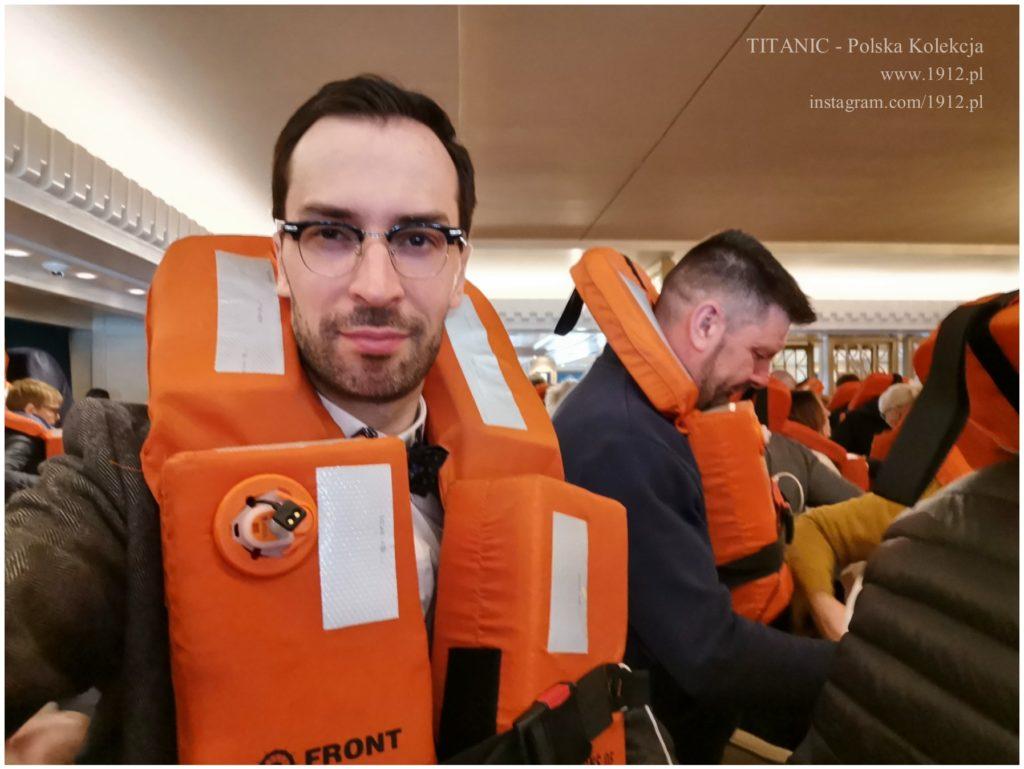 W kamizelce ratunkowej na Queen Mary 2